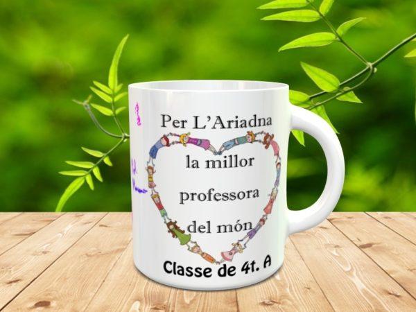 taza clase 4tA mod12 600x450 - Taza personalizada para profesores con los nombres de los alumnos y adorno corazón
