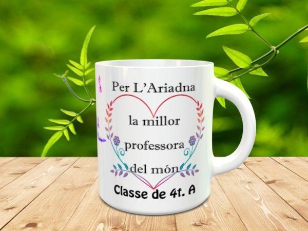 taza clase 4tA mod2 600x450 - Taza personalizada para profesores con los nombres de los alumnos y adorno corazón